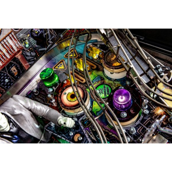 Munsters-Playfield-1-768x768